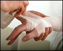 Раны, лечение ран, раны лечение, лекарства от ран, средства от ран, раны лечение лазером, раны лечение кварцем, раны лечение травами, раны лечение народное, раны лечение иглами, раны лечение пчелами, раны лечение магнитом, раны лечение аромамаслами, как лечить раны, чем лечить раны, порезы лечение, лекарства от порезов, рваные раны, резанные раны, рана глубокая, рана свежая, рана открытая, рана гнойная, рана легкая, рана рваная, рана рубленая, рана укушенная, рана резанная, рана колотая, порез. Киев